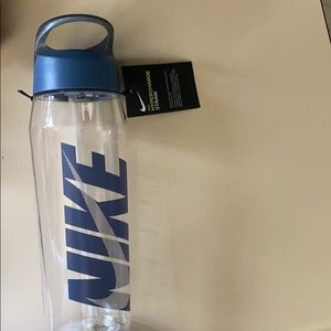 NWT Nike Hypercharge Straw Waterbottle